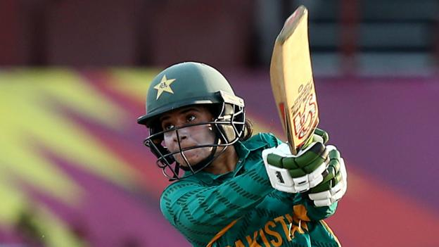 Women's World Twenty20: Pakistan beat Ireland, Australia defeat New Zealand