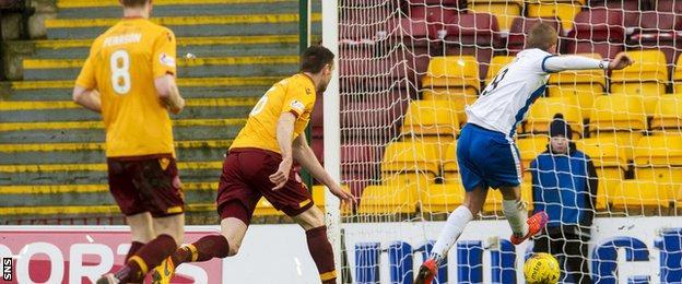 Craig Slater scores for Kilmarnock against Motherwell