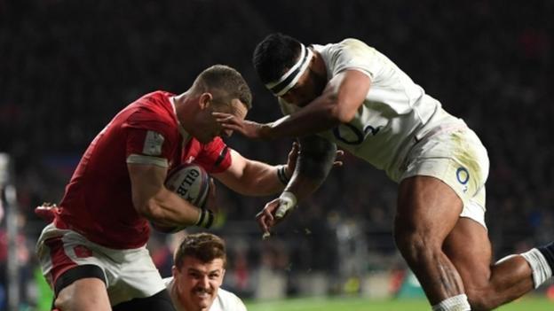 "England 33-30 Wales: Manu Tuilagi red card was ""ridiculous"" says Eddie Jones thumbnail"