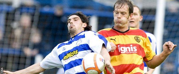 Ian Maxwell (right) in action for Partick Thistle