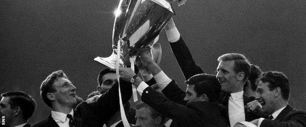 Tommy Gemmell (left) and Billy McNeill hold aloft the European Cup