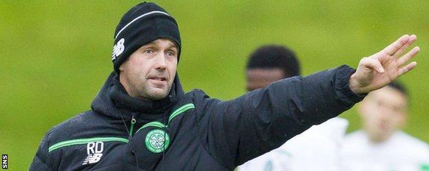 Celtic manager Ronny Deila directs his players during training