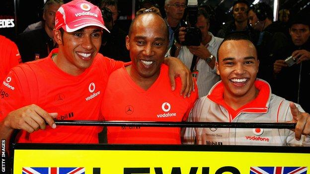Lewis, Anthony and Nic Hamilton after the 2008 Brazilian Grand Prix