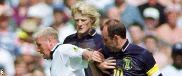 Paul Gascoigne, Colin Hendry and Gary McAllister