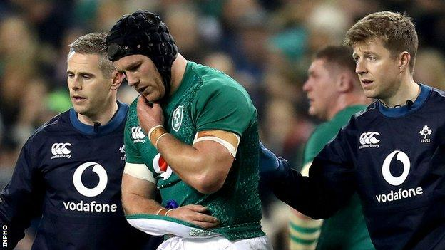 Sean O'Brien walks off after breaking his right arm in Ireland's win over Argentina