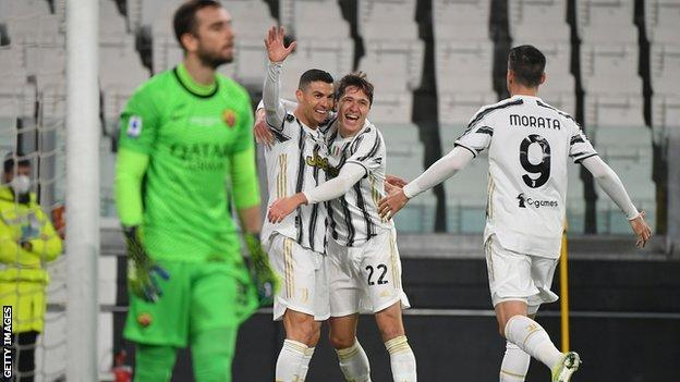 Juventus 2 0 Roma Cristiano Ronaldo Goal Helps Take Juve Up To Third Bbc Sport