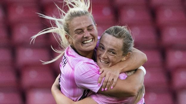 Scotland Women 3-2 Jamaica Women: World Cup-bound side win in front of record crowd thumbnail