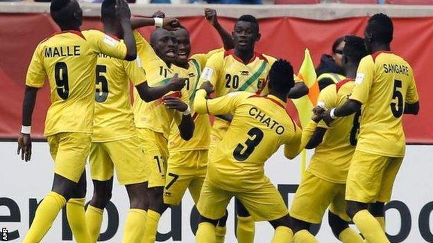 Mali players celebrate