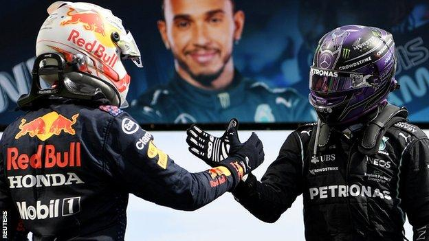 Verstappen and Hamilton shake hands