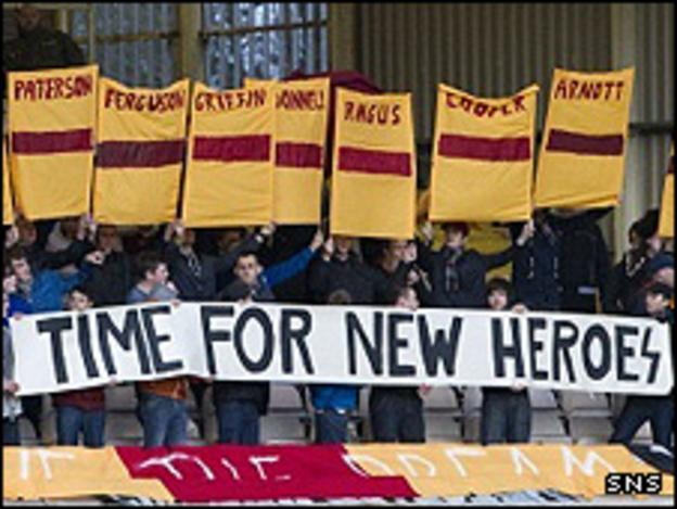 The Motherwell fans salute the 1991 Cup winning team