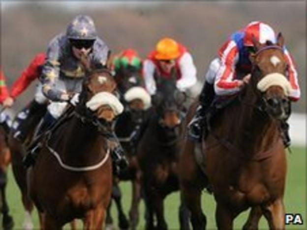 Johnny Murtagh rides Sweet Lightning (right) to victory at Doncaster
