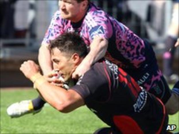 Gavin Henson scores Toulon's fourth try