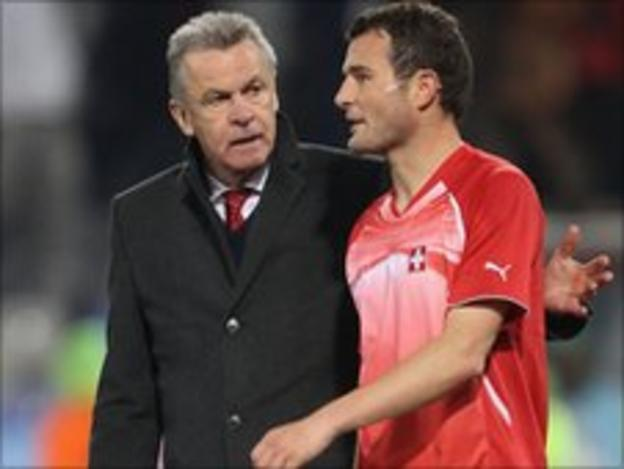 Swiss coach Ottmar Hitzfeld and Alex Frei