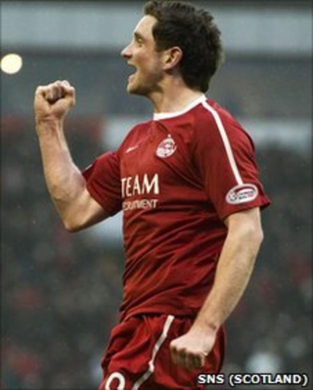 Aberdeen striker Scott Vernon