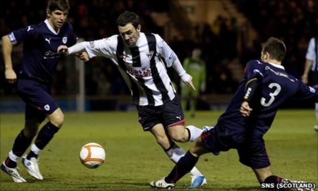 Dunfermline host Fife rivals Raith Rovers on Saturday