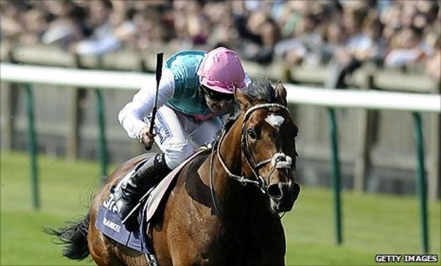 Frankel wins the 2,000 Guineas