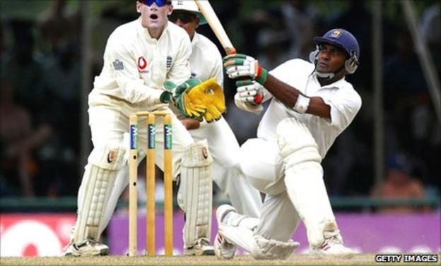 Hashan Tillakaratne in action against England in 2003