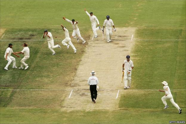 Australia clinch the 2006-07 Ashes