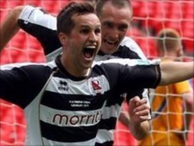 Chris Senior celebrates his FA Trophy final winner against Mansfield