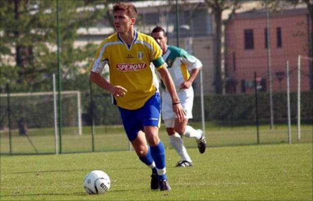 Fabio Pellacini in action for his former Italian side Meletolese