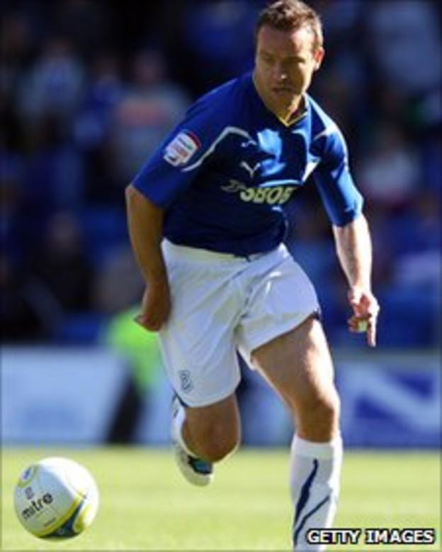 Gavin Rae in action for Cardiff City