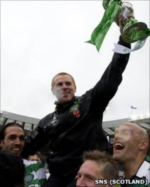 Celtic manager Neil Lennon celebrates winning the Scottish Cup with his players