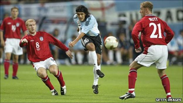 Scholes and Butt played together during the 1-0 victory over Argentina in the 2002 World Cup