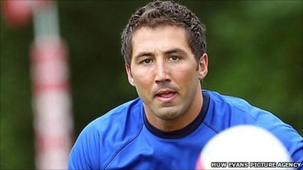 Gavin Henson in Wales training