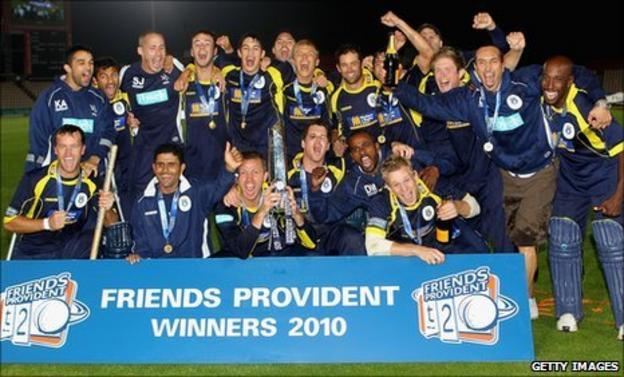 Hampshire celebrate FP t20 win
