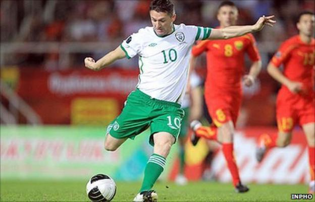 Robbie Keane's shoots the Republic of Ireland into an early lead against Macedonia
