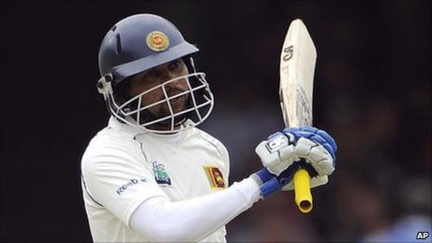 Sri Lanka's Tillakaratne Dilshan tormented England's bowlers throughout his innings