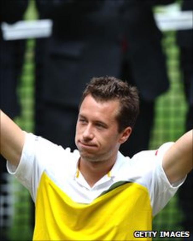 Kohlschreiber celebrates winning the Gerry Weber Open in Halle on Sunday