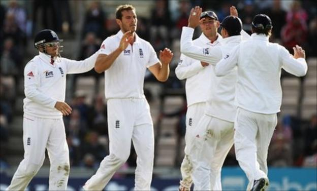 Chris Tremlett celebrates removing Mahela Jayawardene