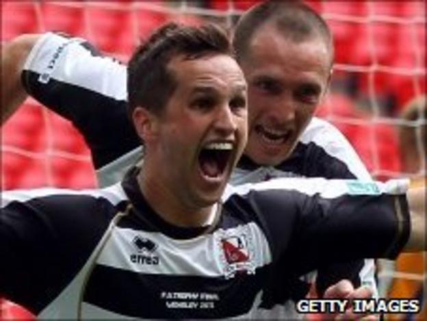 Chris Senior celebrates scoring the FA Trophy final winner