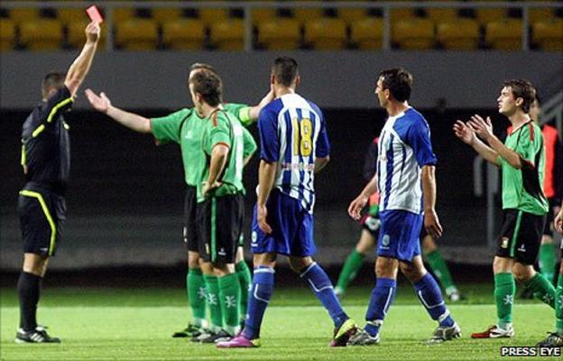 Jamie McGovern of Glentoran is sent-off