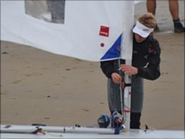 Andrew Bridgman preparing his boat