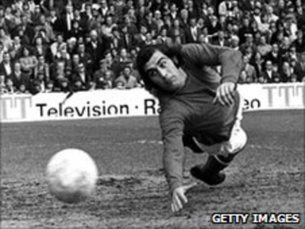 Former England goalkeeper Peter Shilton in action for Stoke City
