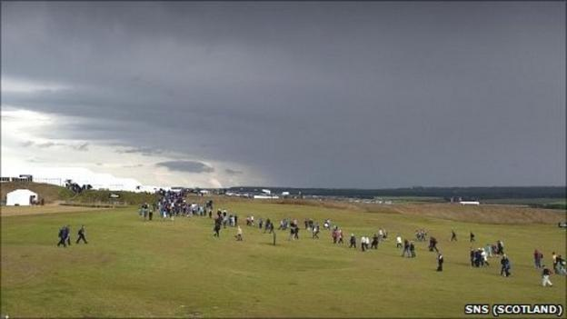 The storm clouds moved over the Castle Stuart course on Friday afternoon