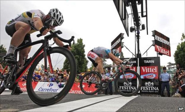 Mark Cavendish (left), Andre Greipel