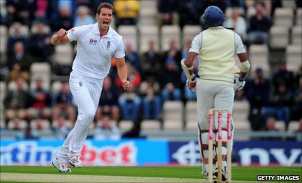 Chris Tremlett takes a wicket