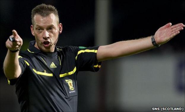 Referee Iain Brines