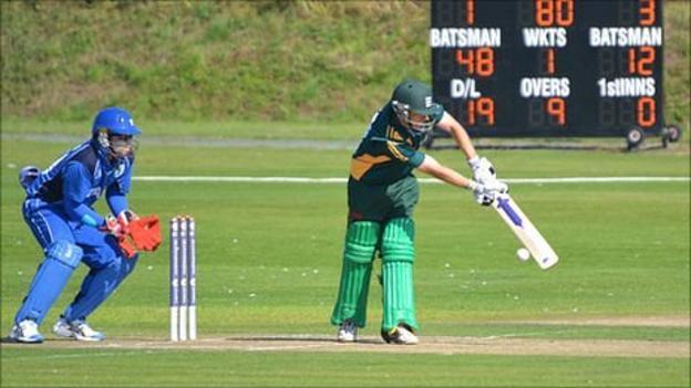 Guernsey cricketer Tim Ravenscroft batting at Port Soif