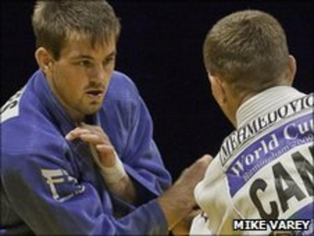 Colin Oates (left) at the judo GB World Cup 2009 (Picture: Mike Varey)