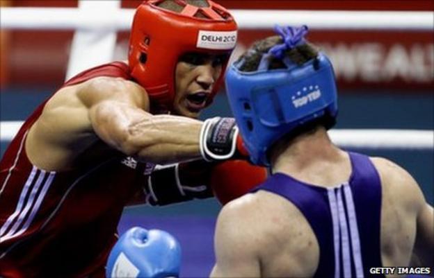 Anthony Ogogo boxing at the 2010 Delhi Commonwealth Games