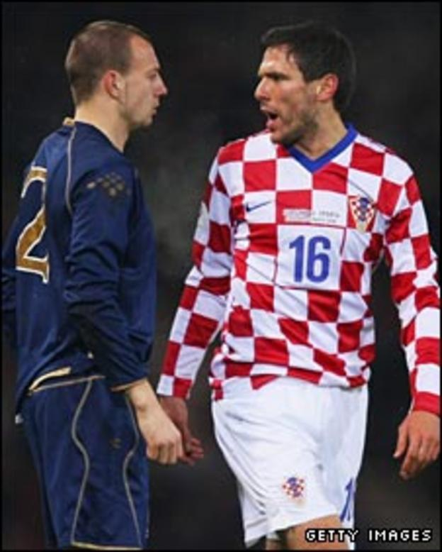 Alan Hutton faces Croatia