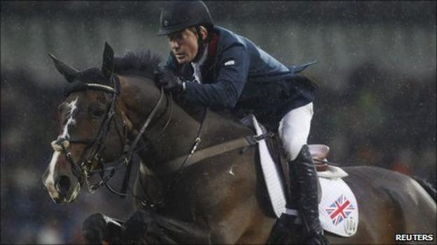 Michael Whitaker riding Gig Amai