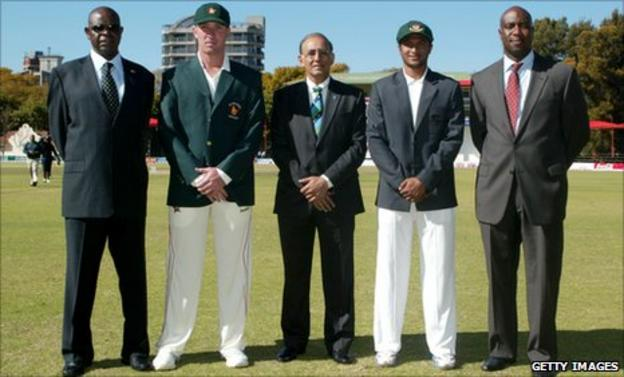 Zimbabwe Cricket chairman Peter Chingoka, Zimbabwe captain Brendan Taylor, ICC chief executive Haroon Lorgat, Bangladesh captain Shakib Al Hasan and Zimbabwe Cricket CEO Ozias Bvute