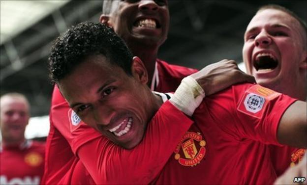 United celebrate Nani's late winner in the Community Shield