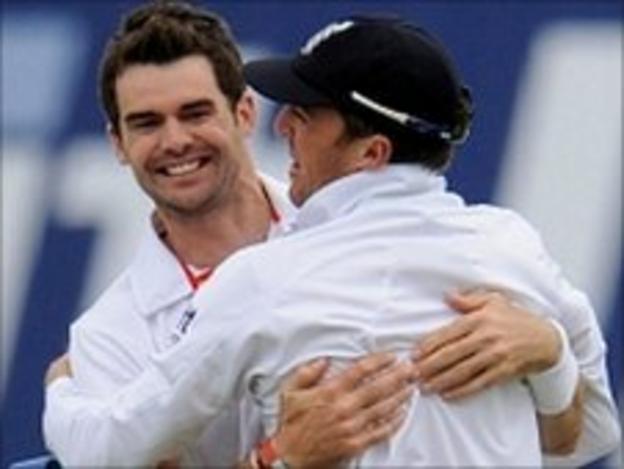 James Anderson celebrates with Graeme Swann