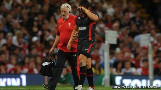 Gavin Henson is forced off